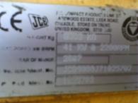 JCB 8080ZTS, del año 2007, 4800 horas, con 3 cazos y martillo, cadenas de goma.