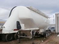 Cisterna para cemento de 3 ejes, marca Feldbinder.