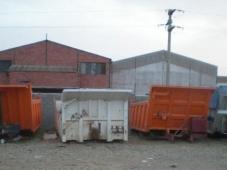 Cajas dumper de distintos tipos y medidas.