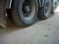 Tauliner brand Fruehauf, 3 axels with air suspension, disc brakes, in good conditions, year 2000. Dimensions 13.7x2.5x4m