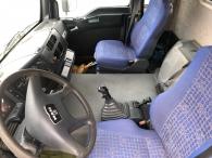 Camión de ocasión MAN TGA 310, 6x4 del año 2004 con 200.070km, con caja fija y grúa Palfinger PK44002C de 8 prolongas, mando a distancia y 4 estabilizadores.