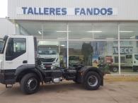 Cabeza tractora de obras IVECO Trakker AD400T41, 4x2, con 399.816km, del año 2007, manual con intarder, equipo hidráulico, cardillas y suspension de ballestas.