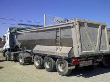 Tractora IVECO AT440S43TP eurotronic con intarder y equipo hidraulico.  Bañera de basculante de Aluminio de 3 ejes.