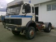 Tractora usada marca Mercedes modelo 1929AK, 4x4, manual, del año 1991, suspensión de ballestas, freno eléctrico y engrase centralizado.