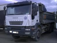 Camión dumper usado marca IVECO modelo Trakker AD380T35, 6x4, caja cónica.