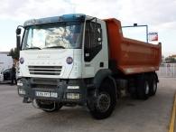Camion Dumper IVECO AD380T38, 6x4, año 2006, con 146.335km, con caja conica de 14m3