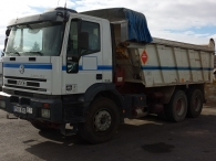 Dumper IVECO MP380E38H, 6x4, manual, del año 2001