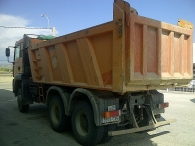 Dumper MAN 33.360 FDAK, 6X6, no es common rail, año 2004, 235.800km.