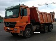 Dumper Mercedes 33.50, 6x4, del año 2006