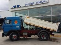 Camion volquete Renault Pony, DG.320.T, 4x2, del año 1990, con cama.