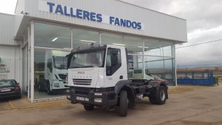 Tractor unit IVECO AD400T41
