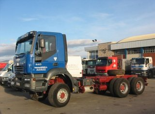 Chasis IVECO AD380T44W