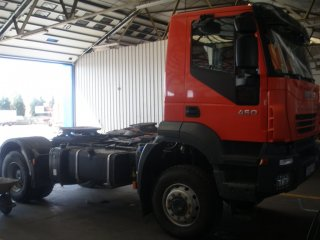 Tractor unit IVECO AD400T44WT